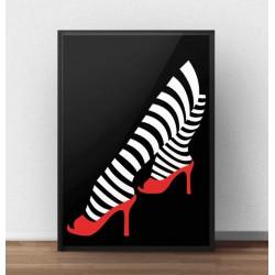 Czarny plakat z pasiastymi nogami i czerwonymi pantofelkami