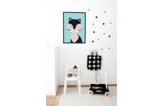 Skandynawski kolorowy plakat z kotem w dziecięcym pokoju