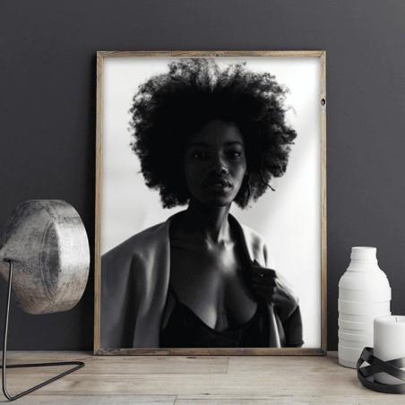 Plakat z czarnoskórą kobietą