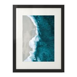 Plakat przedstawiający morze okalające złotą plażę