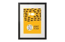 """Plakat motywacyjny na ścianę """"Go against the stream"""" w wersji żółtej"""