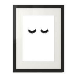 Plakat w stylu minimalistycznym i fashion z mocno wytuszowanymi rzęsami prezentowany w ramie z passepartout