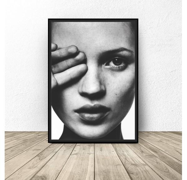 Plakat z modelką Kate