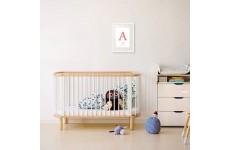 Wizualizacja plakatu metryczki dla dziecka oprawionego w białą ramę