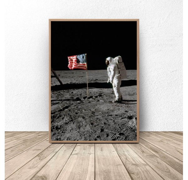 Plakat NASA Amerykańska flaga na Księżycu