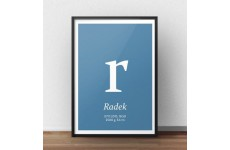 Plakat metryczka dla dziecka z niebieskim tłem i małą literką