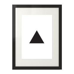 Plakat z czarnym trójkątem na białym tle
