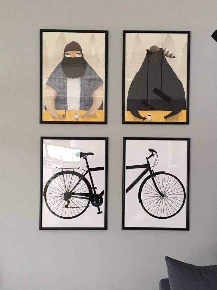 Obraz z czarnym przodem roweru na białym tle